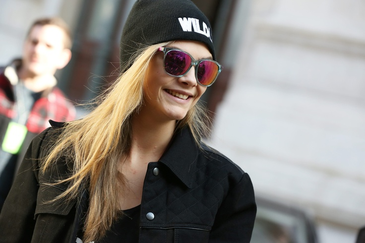 Cara Delevingne wearing Carrera 5001 sunglasses. (Photo: SGP) #caradelevingne #sunglasses #carrera