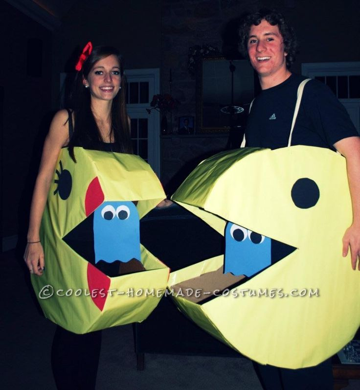 Coolest Mr. and Mrs. Pacman Couple Halloween Costume... This website is the Pinterest of costumes