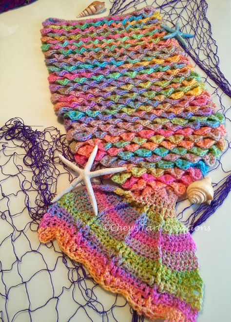 Mermaid Tail Crochet Blanket - loads of free patterns in our post