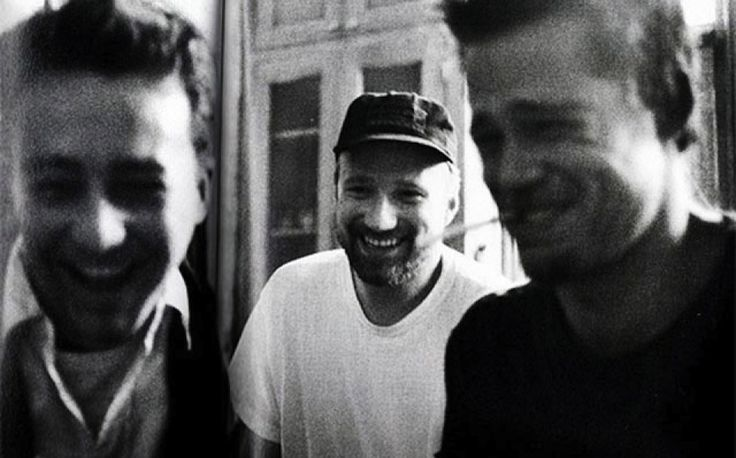 "Edward Norton, David Fincher e Brad Pitt on the set of""Fight Club"""