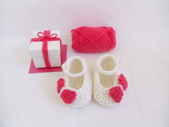 White and Fucsia Pink Baby Crochet Shoes Mary by KaelestisCrochet