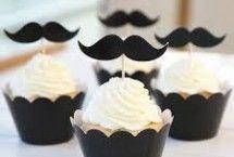 cupcakes met snorren | prikkertjes met snor | Alles voor een geslaagd feest | #snor #snorren #feestje #moustache ZOOK.nl