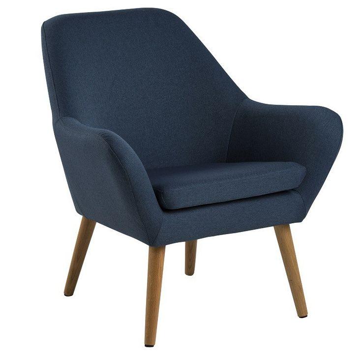 Boyd Loungestol - Blå - Stilren loungestol med en flot mørkeblå farve. Boyd lænestol har et skandinavisk design, der kommer til udtryk med de olieret egetræsben. Lænestolen har en sædepude der giver stolen en ekstra god siddekomfort. Placer stolen i et hjørne eller ved siden af sofaen, og få et elegant udtryk i rummet.