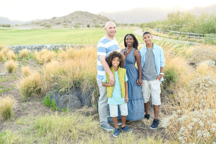 Family of 4 photos- what to wear for photos- family portraits with teenagers- family photos with two sons- Phoenix Photographer