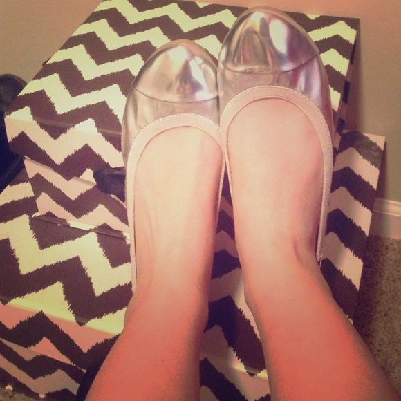 Beautiful Metallic Ballet Flats Memory foam insides, silver metallic ballet flats. Only worn once and didn't leave blister on heels or toes. Very comfy! Faded Glory Shoes Flats & Loafers