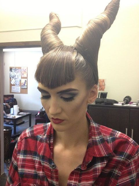 Maleficent Halloween hairstyle with tutorial - 17 cool Halloween hairstyles with tutorials and easy DIY Halloween costume ideas - Circletrest