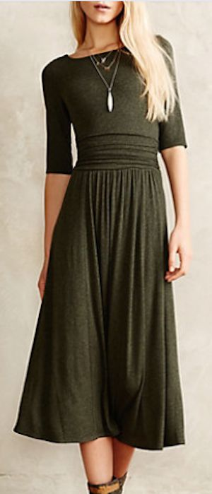 love this dark green jersey midi dress #anthrofave http://rstyle.me/n/s49pdr9te
