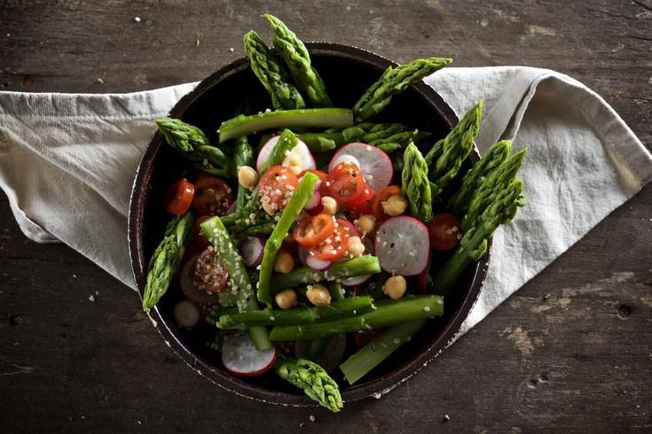 Spargelsalat, asparagus salad, Food-Blog, vegan, glutenfrei, Rezept, Kichererbsen, ihana