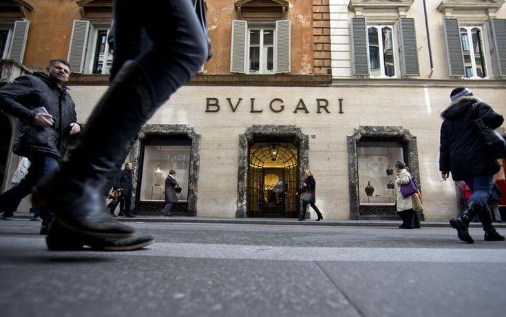 Sono soprattutto Spagna e Francia a contendersi i marchi del made in Italy. Tra i settori più ambiti c'è la moda. Nel 2011 la francese Lvhm si è accaparrata il 98,09% di Bulgari, fondata nel 1884. L'anno successivo Valentino è volato in Qatar -Bulgari, tutte le news