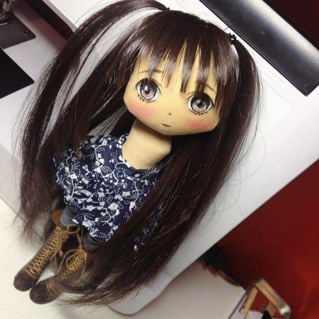Немного постриглись, на сегодня все;) спокойной ночи #кукла #куклы #куколка #олли #обувьдлякукол #одеждадлякукол #ручнаяработа #авторскаякукла #авторскаяработа #анимэ #doll #doll #dolls #anime #artdoll #textilledoll