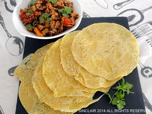 This recipe for chickpea crêpes came about when I decided to make a vegan pancake recipe using pathiri as inspiration