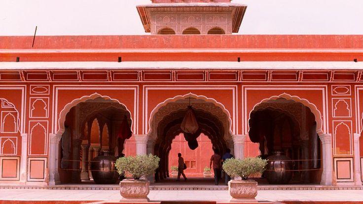 Viaje de novios a India Romántica- El Palacio Rosa de Jaipur.   #ViajeDeNovios #LunaDeMiel #India