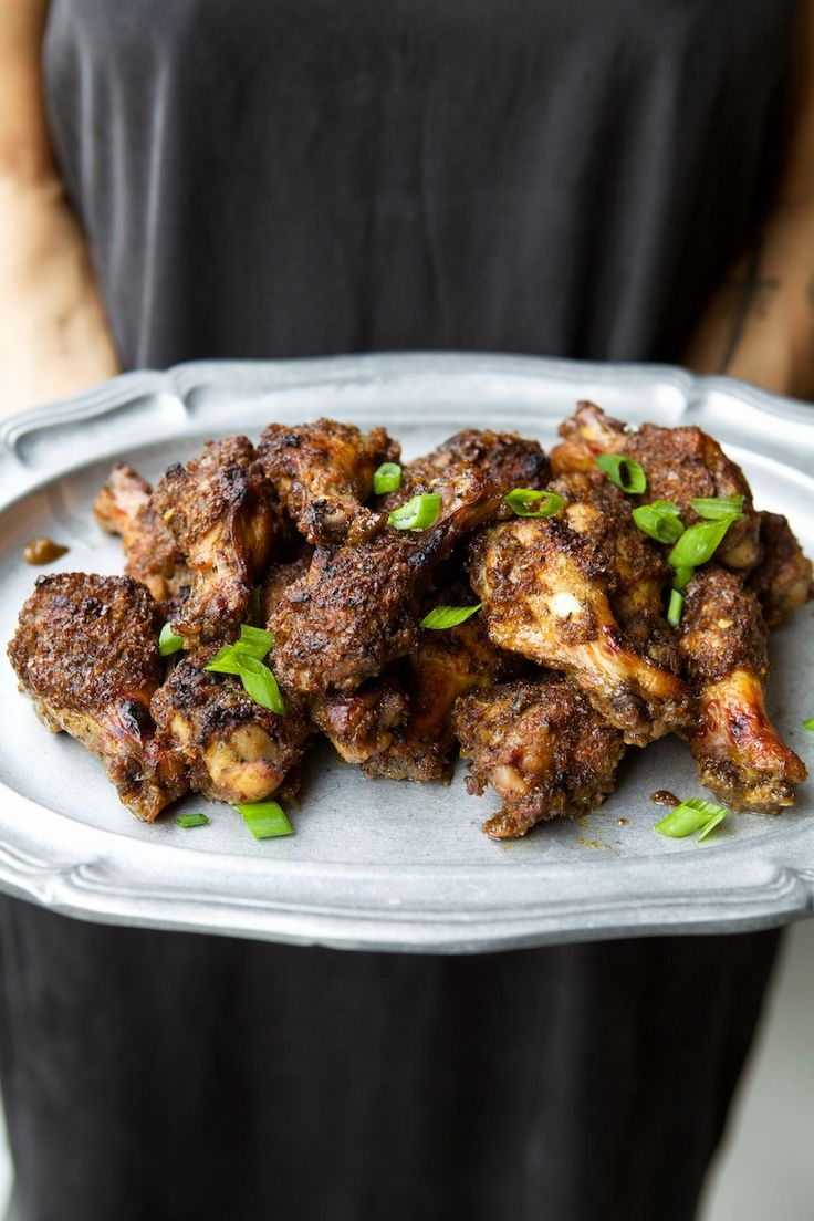 photographed by kate lesueur Nikisha Brunson loves serving guests meals that reflect her Jamaican heritage like this amazing jerk chicken. See how she serves it as part of a fun comfort food brunch...