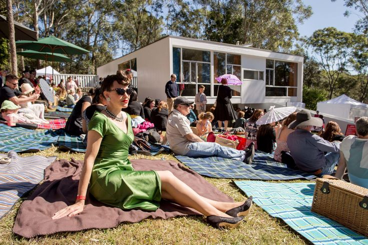 On Sunday 21st August 2016, more than 2000 Fifties fans came to Rose Seidler House to celebrate 21 years of the Fifties Fair.
