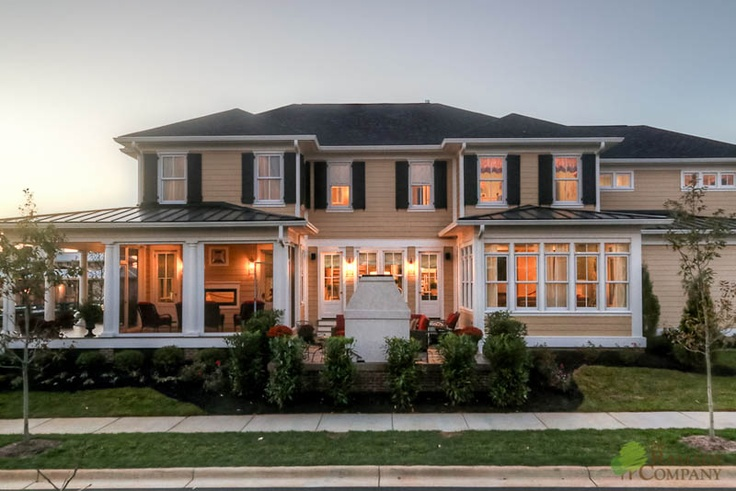 Side profile of southern style home with multiple outdoor