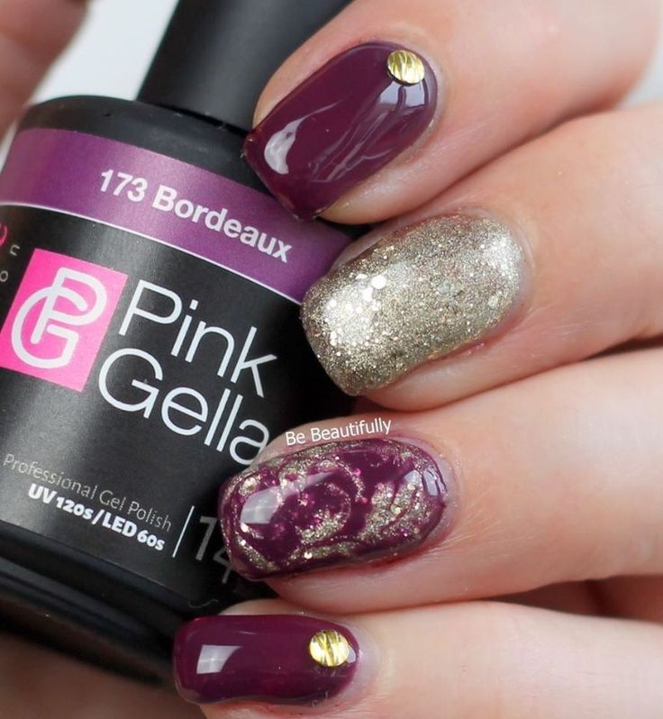shared Be Beautifully's photo Nail art met op de accent nagel dry marble. 173 Bordeaux & 174 Diva Gold