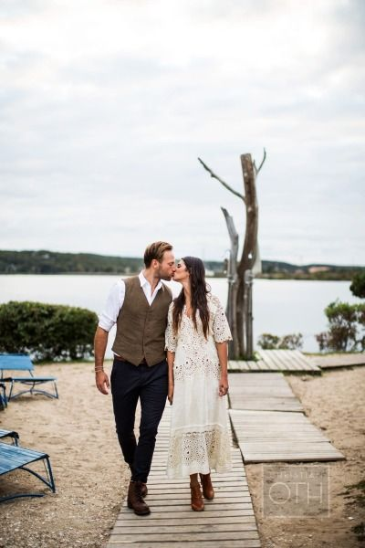 Boho Montauk rehearsal dinner + wedding: http://www.stylemepretty.com/2014/07/23/boho-montauk-rehearsal-dinner-wedding/ | Photography: http://christianothstudio.com/