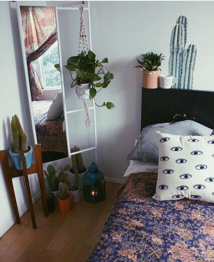 25+ best ideas about College furniture on Pinterest : College apartment bedrooms, College girl ...