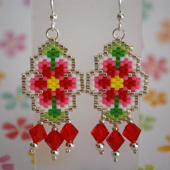 Flower Power Peyote Stitch Earrings por ThoughtfulDog en Etsy