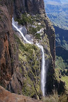 The second-highest waterfall in the world, uThukela Falls can be found in the Royal Natal National Park, the northern section of uKhahlamba Drakensberg Park in KwaZulu-Natal. Here, in this most spectacular area of the Drakensberg, uThukela (Tugela) drops 947 metres in five stages, before heaving off eastwards to the Indian Ocean.