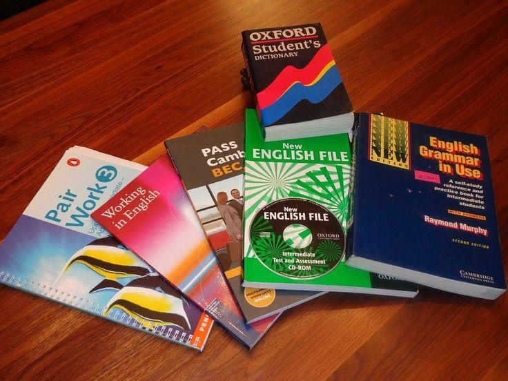 ❓👉 Které učebnice angličtiny jsou nejlépe hodnocené? To se dozvíte v našem dalším článku :-)  #olomouc #brno #anglictina #skola  http://www.skolapopulo.cz/aktuality/top-5-ucebnic-anglictiny-54