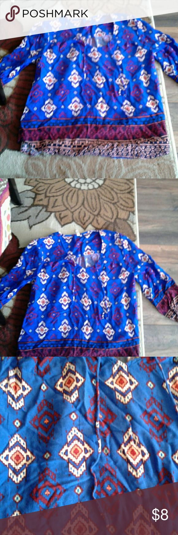 Red Camel women's size medium top This is an adorable women's size medium top.Red Camel brand.suoer cute top!...from a smoke free and pet free home Red Camel Tops Blouses