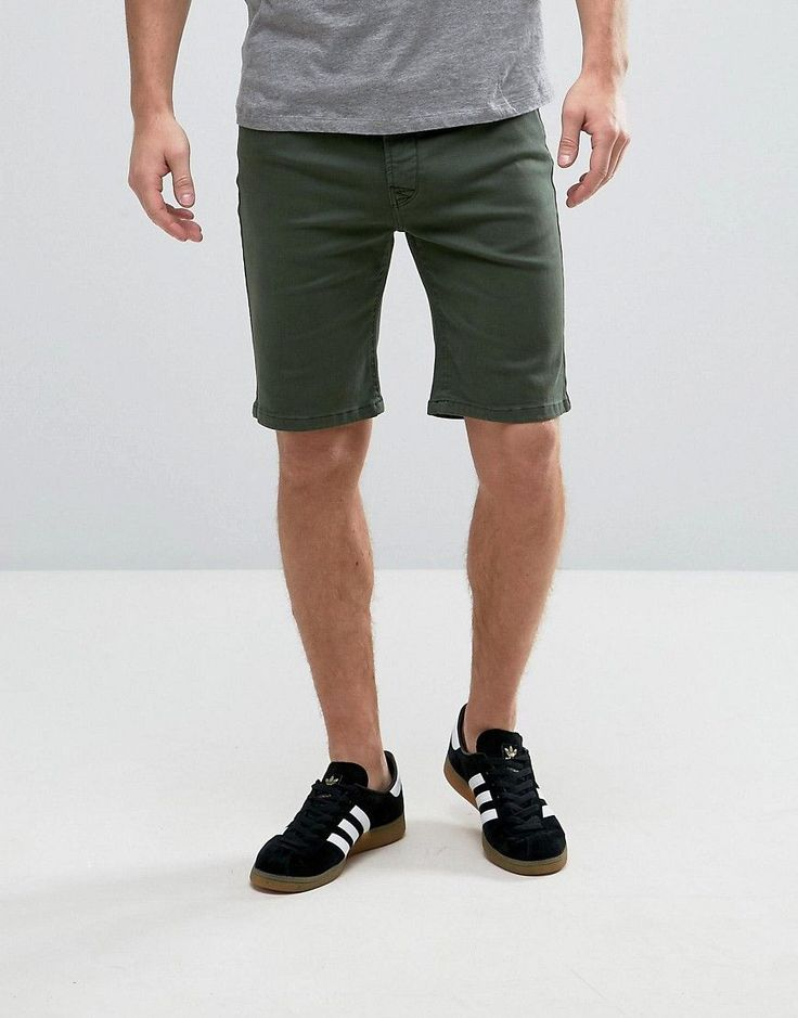 Get this Hoxton Denim's chinese shorts now! Click for more details. Worldwide shipping. Hoxton Denim Forest Green Chino Shorts - Green: Shorts by Hoxton Denim, Cotton twill, Concealed fly, Side pockets and two back pockets, Regular fit - true to size, Machine wash, 100% Cotton, Our model wears a 32 and is 187cm/ 6'1.5 tall. (pantalón corto chino, chino shorts, chino short, sastre, oxford, dress short, chino-shorts, short chino, short chinois, pantalone corto tipo cinese)