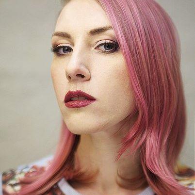 Добавим макияж от @elena_celesta и получим WOW эффект 😵😵😵 #салонамстердам #iamsterdamspb #креативноеокрашивание #окрашивания #салонкрасотыспб #лайк #haircolor #hairstyle