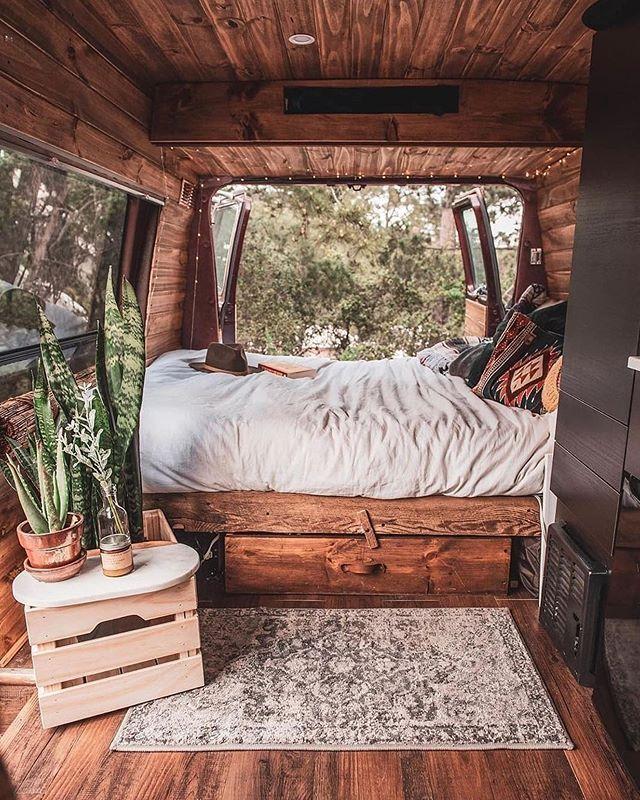 Wie bewerten Sie den Innenraum dieses Abenteuerwagens von 1-10? Spur folgen … … – Schuh DIY Ideen