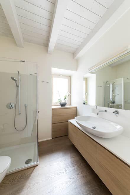 recupero funzionale: Camera da letto in stile in stile Mediterraneo di marco tassiello architetto