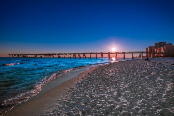 Navarre Beach, Florida. Growing up couldn't wait to get outta there now wish I lived there. ❤️Navarre