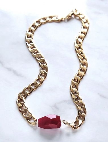 Red Chalcedony Gold Necklace