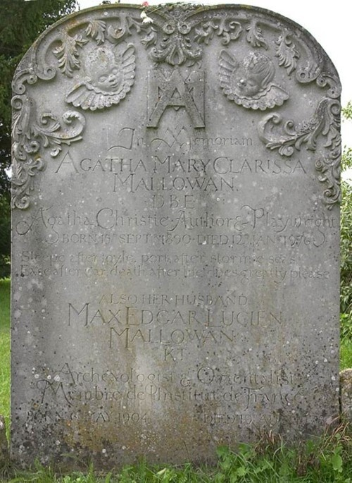 Met dit grafsteen verwijs ik naar Martin die is geëxecuteerd door John zijn divisie. Martin is geëxecuteerd omdat hij is beginnen drinken met vrienden en de regels niet meer volgde, desertie. Ondanks hij de beste soldaat van zijn groep was.
