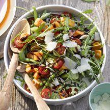 Süßkartoffelsalat mit Rucola und Parmesan