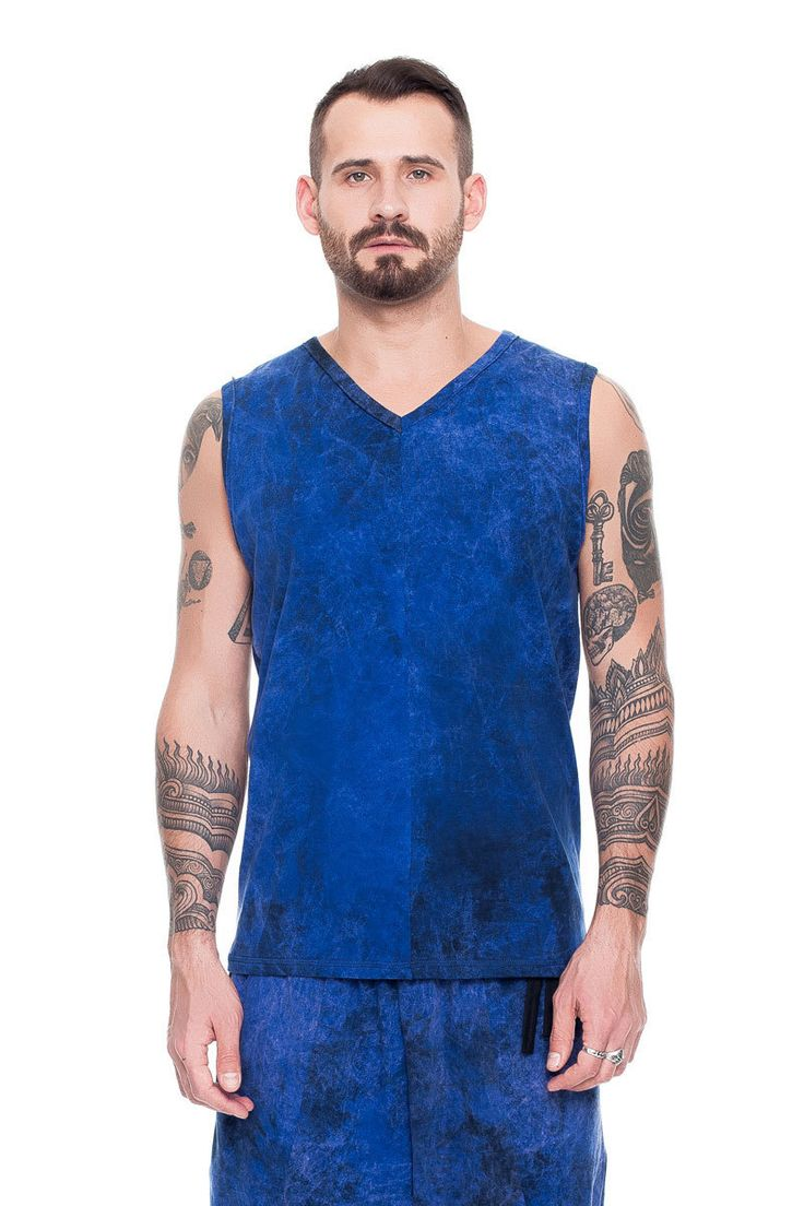 Top with a seam in the front, blue acid wash    #mariashi #fashion #russiandesigners #nofilter #outfit #outfitoftheday #outfits #outfitpost #clothes #fashionista #fashiondesigner #shopping