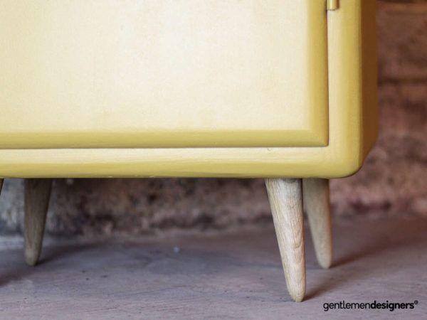 Meuble De Rangement Haut Colonne Vintage Sur Pieds Compas Relooke Jaune Circa 1960 Gentlemen Designers Meuble Rangement Rangement Haut Rangement