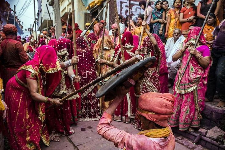 10 Places and Ways to Celebrate Holi in India