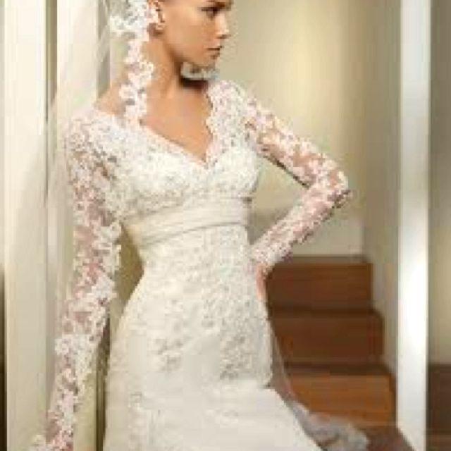 Spanish Lace Wedding Dress And Veil