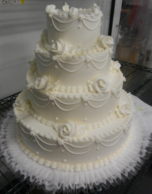 Classic buttercream work Wedding Ideas Pinterest ...