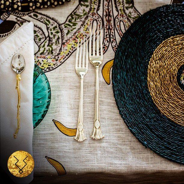 Dining detail #kuduhome #kudu #kudulife #homedecor #instadecor #instadesign #african #africa #white #blue #instagood #colour #home #finedining #africaninspired #interior #design