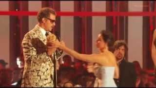 Aubrey Plaza Tries To Steal Will Ferrell's #MTV Award - #funny