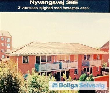 Nyvangsvej 36E, 1. tv., 5000 Odense C - Odense C. 2 v. lys indflytningsklar lejlighed med 7 kvm altan. #ejerlejlighed #ejerbolig #odense #selvsalg #boligsalg #boligdk