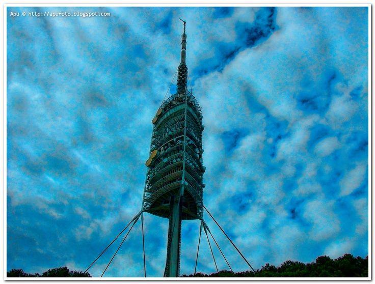 Torre_Collserola_Norman_Foster_barcelona_apu.jpg (1244×944)