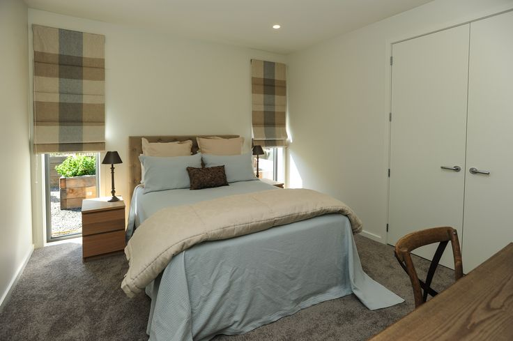 Comfortable country in this spare room