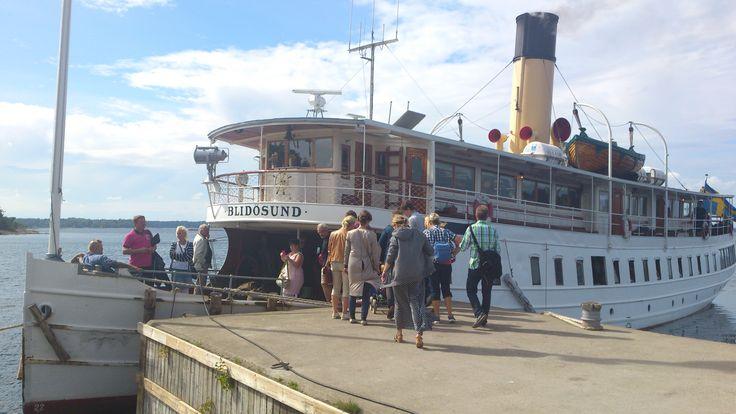 The old steamer Blidösund at Norröra jetty.
