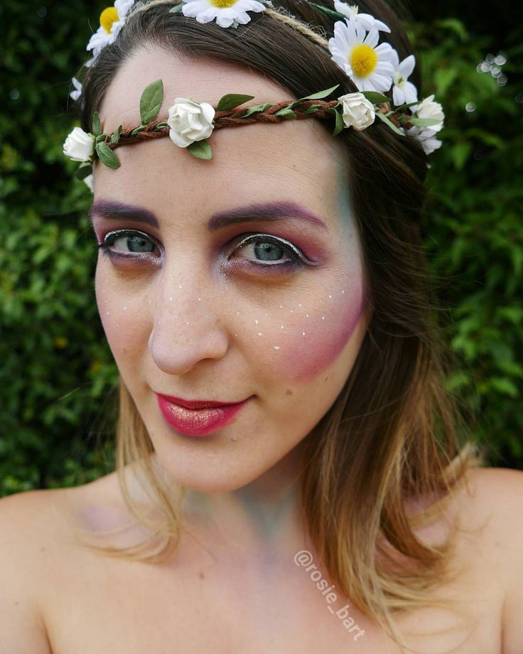 ☆ ͞The soft stars are shining, the moon is alight; the folk of the forest are dancing tonight ☆ (@rosie_bart) on Instagram #fairy  #halloween #facepaint #cosplay