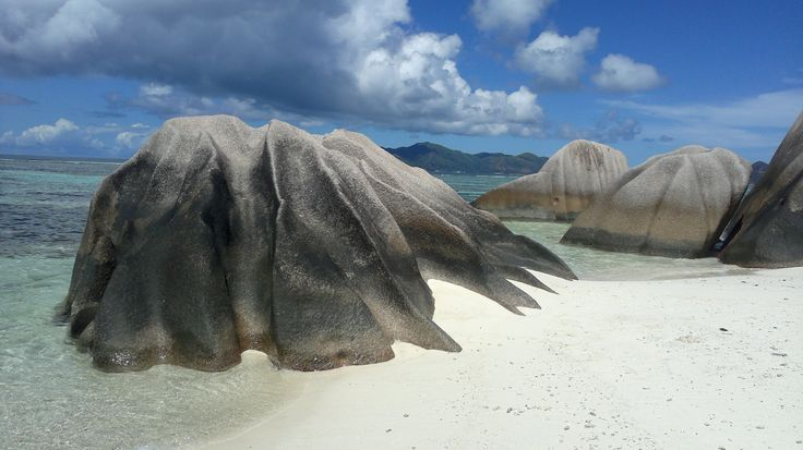 Seychelles. La Digue. Anse Source D'Argent. Breathtakingly beautiful scene with spectacular granite boulders.