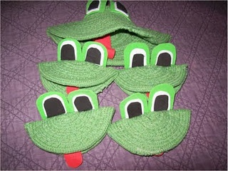 Five Green and Speckled Frogs: Music/Large Group Activity