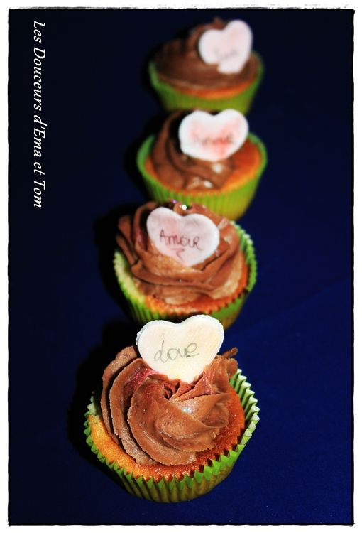 Cupcakes vanille et topping chocolat