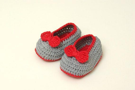 Crochet booties baby booties baby shoes handmade by RedOgeeSheep #Crochetbabybooties